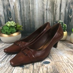 Michelle D Ainsley Leather Brown Heels Size 8 M